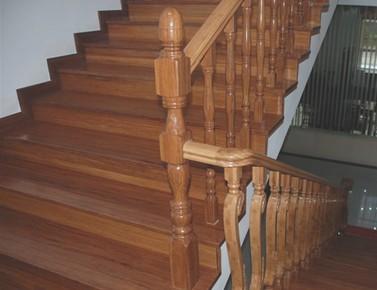 供應各種高檔竹樓梯