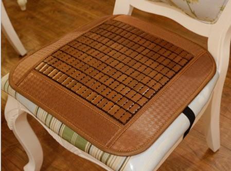 经典碳化带插扣防滑坐垫